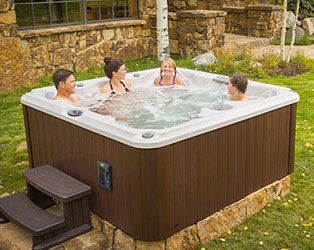 hot-tub-upstate-splash-water-safety